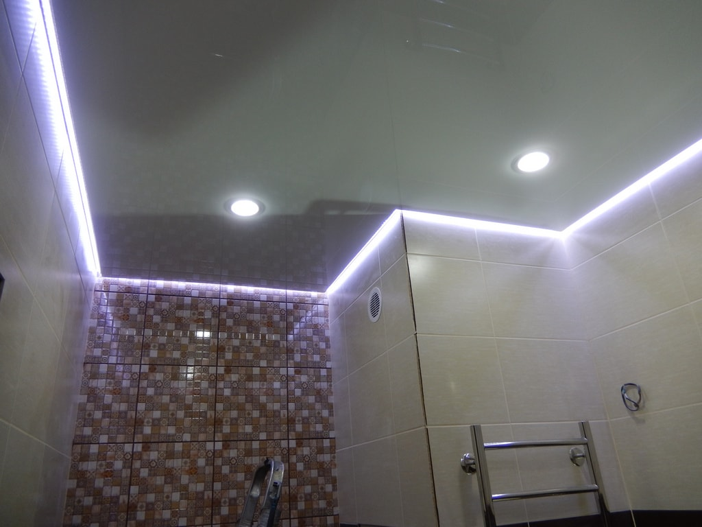 Парящий натяжной потолок от производителя Ремонтофф. Ремонт и отделка квартир под ключ.